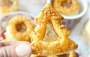 Biscotti Di Natale Effetto Vetro.Biscotti Di Vetro In Pasta Sfoglia Dorata Ricette Imma Di Domenico