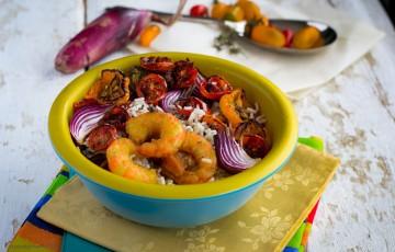 Gamberi e verdure confit per riso in insalata