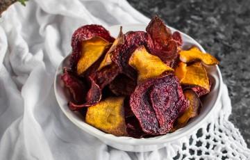 Chips di rapa rossa e zucca per un aperitivo