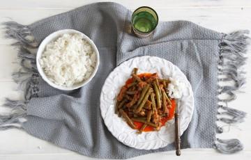 Maiale con fagiolini ricetta Thai