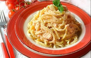 Bucatini con pesto di mandorle alla siciliana