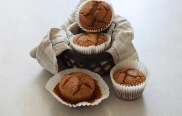 Muffins di ricotta e avena con nocciole