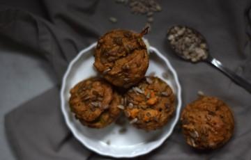 Muffins salati all'hummus