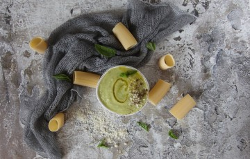 Crema di zucchine per primi e bruschette