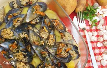 riso patate e cozze al forno: la tajedda