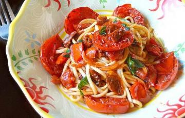 Spaghetti ai tre pomodori e colatura di alici