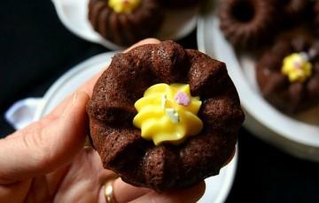 Mini bundt  al cioccolato e crema pasticcera