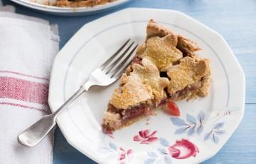 Pie di ciliegie e mandorle