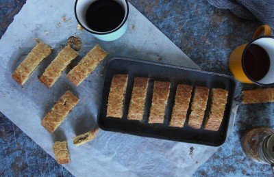 Biscotti rustici con marmellata di fichi
