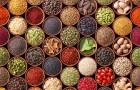 Spezie, broccoli e melagrana: i cibi che ci fanno bene