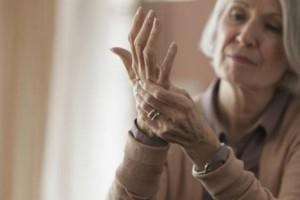 Usa, nuove linee guida su cancro al seno: prevenire la fragilità ossea