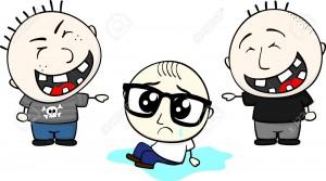 32838755-bambino-con-gli-occhiali-piange-e-bulli-li-deridevano-e-isolato-su-sfondo-bianco-Archivio-Fotografico