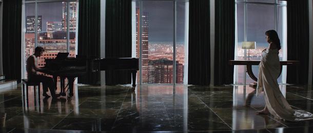 """""""Fifty Shades of Grey """" (50 Sfumature di grigio) di Sam Taylor-Johnson. In foto Jamie Dornan e Dakota Johnson"""