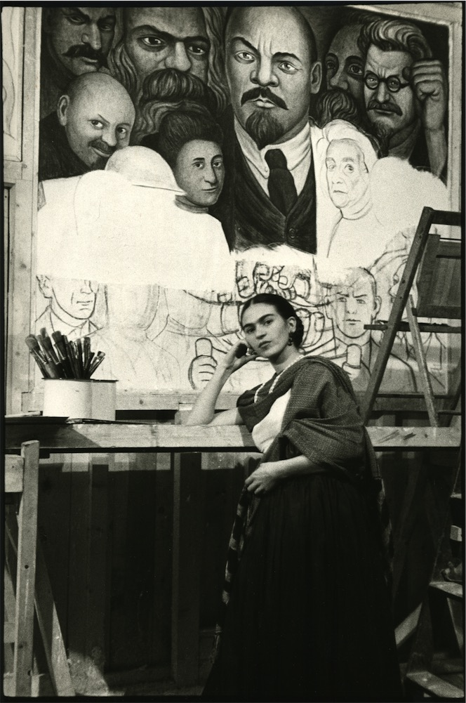 new-workers-school-10-frida-in-front-of-unfinished-unity-panel-low-res